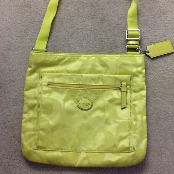 c5b84699aa Coach Handbags - Like New lime Green Crossbody Coach Purse