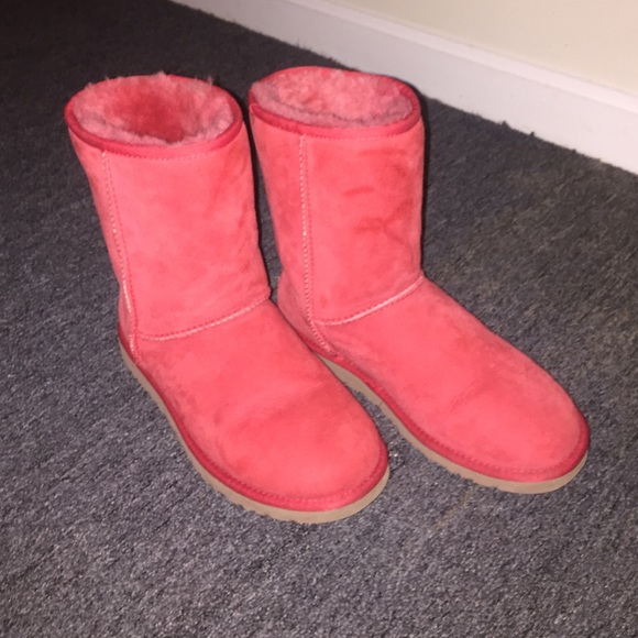 Red short ugg boots