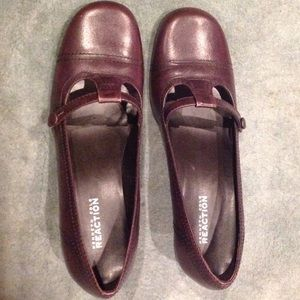 Kenneth Cole Reaction reddish brown