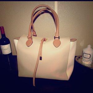 Michael Kors Handbags - Michael Kors collection bag