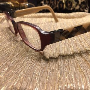 CLEARANCE PRICE! 25% ♠️💯 Burberry Classic frames