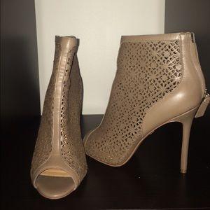 Badgley Mischka Shoes - Badgley Mischks Ankle Bootie