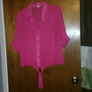 Body Central Sheer red blouse √