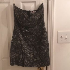Unique do & be dress with zipper teeth pattern
