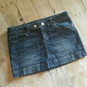 American Eagle Outfitters Dresses & Skirts - {American Eagle, Size 8} CLASSIC Denim\Jean SKIRT