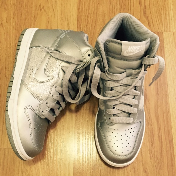 Zapatos Cut Nike Dunk Sb High Cut Zapatos Mujeres Metallic Silver Poshmark 557969