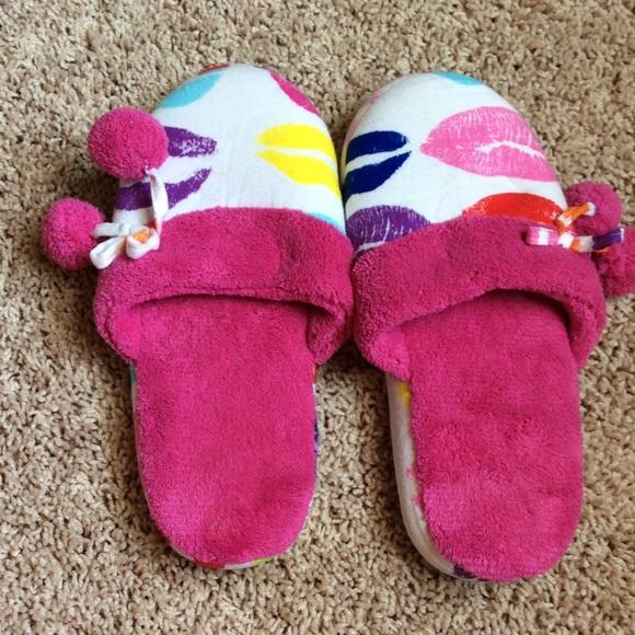 victoria 39 s secret victoria secret bedroom slippers from anna 39 s closet on poshmark