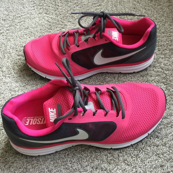 Hot Pink Nike vomero 8 size11.5
