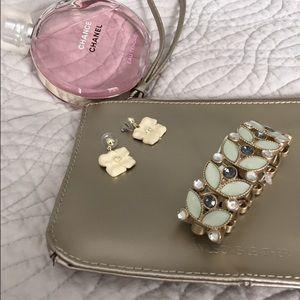 LOFT Jewelry - LOFT leaf bracelet