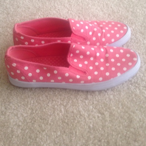 55 payless shoes comfy pink polka dot slip on shoes