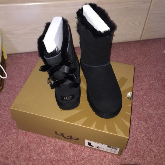 cheap black ugg boots with bows