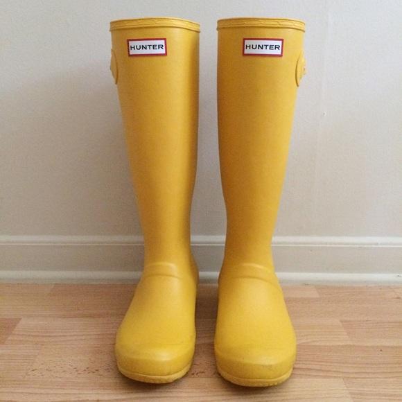 33 off hunter boots yellow hunter womens original tour