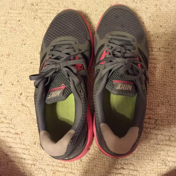 60 nike shoes pink and grey nike tennis shoes from