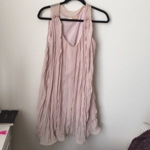 Lulu's Dresses & Skirts - Lulu's crinkled light pink shift dress