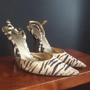 Zebra Guess Heels - 8.5