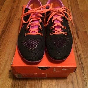 Nike womens  free 5.0 TR Fit 4