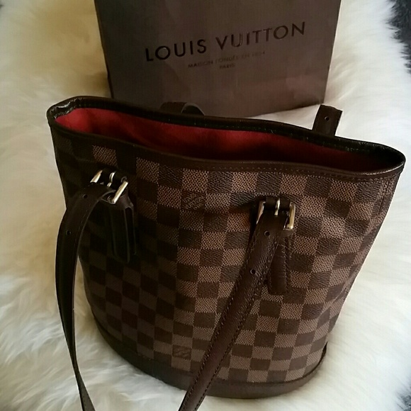 919defaa9479d Louis Vuitton Handbags - Louis Vuitton Damier Bucket Handbag Authentic 100%