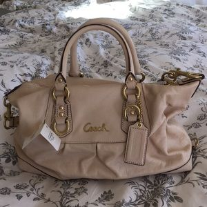 Beautiful beige leather Coach handbag!