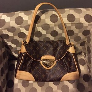 Auth Louis Vuitton Beverly.