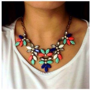 ❣️BACK❣️ coral mint neon floral statement necklace