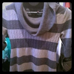 Grey sweater tunic stripes