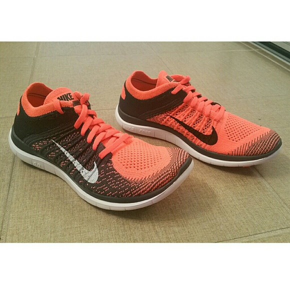 72ba3087a1f1 Nike Free 4.0 Flyknit - Womens Running Shoes