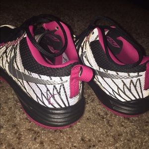 Nike Shoes - Nike lunar TR1 Oregon breast cancer