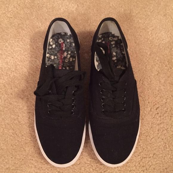 96263bdba73 Target Mossimo Supply Co Black   White Sneakers. M 55ef272387dea095d70222b6