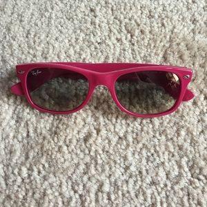 NWOT Authentic Ray-Ban New Wayfarer Sunglasses