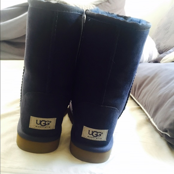 Navy blue uggs low MODEL: 5825