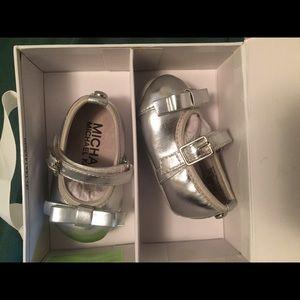 Michael kors infant shoes