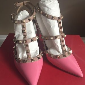 Authentic Valentino rockstud