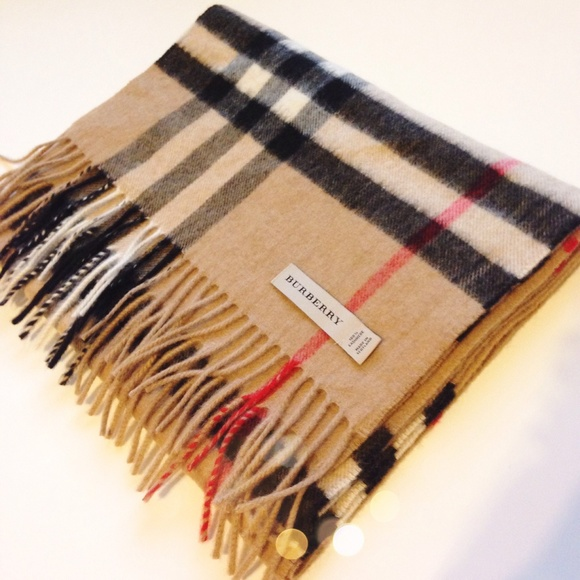 068be949747cf Burberry Accessories - Authentic Burberry Giant Check Cashmere Scarf