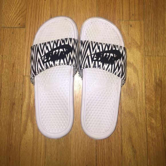 8cd3ece2bf6e Nike Shoes - Nike Slides Women s Benassi JDI Print