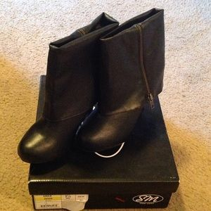 Shoes - New Black Boots