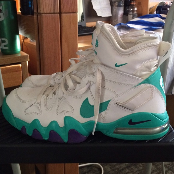 Nike Air Max 2 Strong (Atomic Teal) Sneaker Freaker