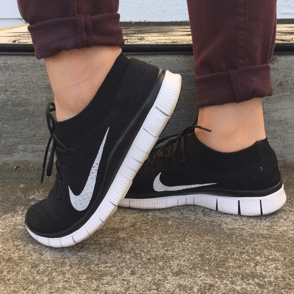 608ca5563e61 Nike Shoes