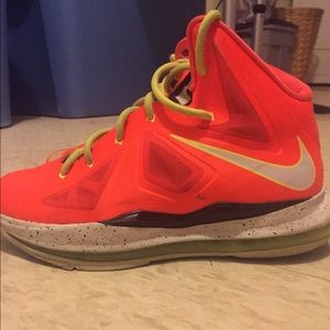 Shoes - Lebron 10s