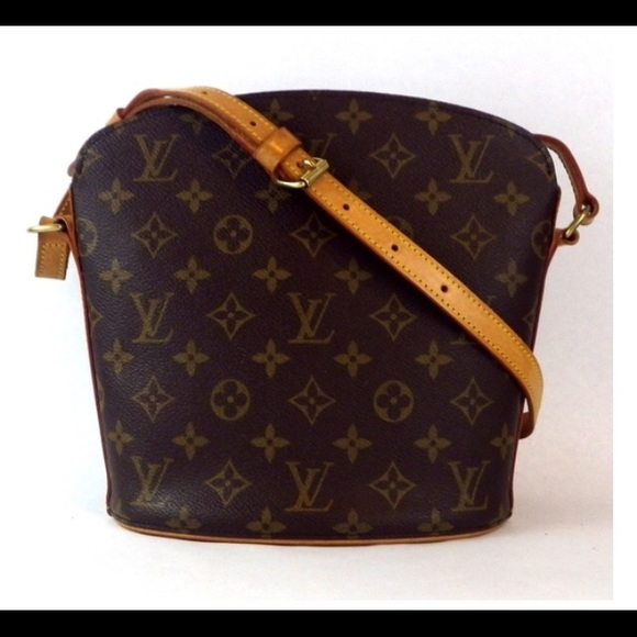 3d1ab878128a Louis Vuitton Handbags - LV Drouot crossbody!~Authentic