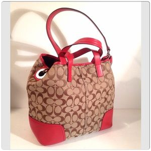 Coach Handbags - COACH SIGNATURE TOTE