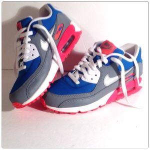 Nike Shoes - Nike Essentials Sneakers