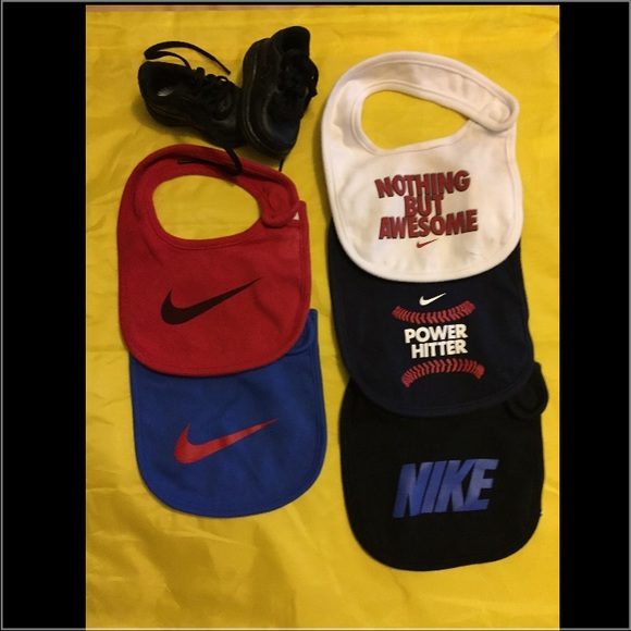 Nike Shoes & Bibs for Your (Baby) Infant Size shoe