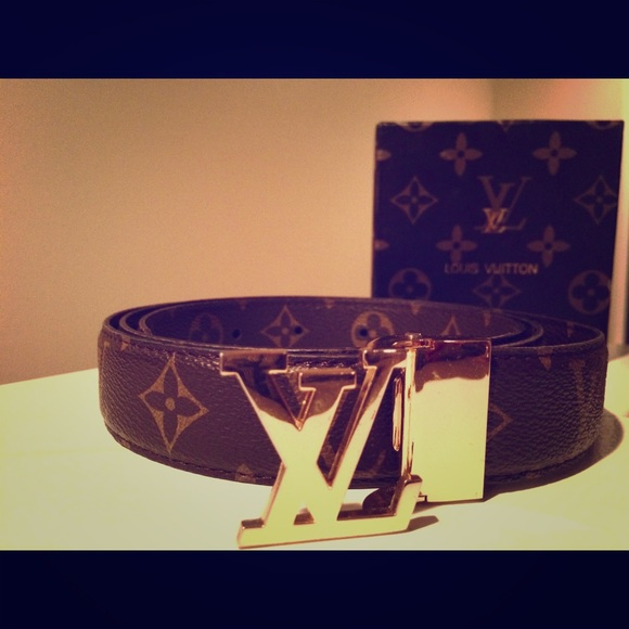 a2240ccbee5 Louis Vuitton Belt men or women