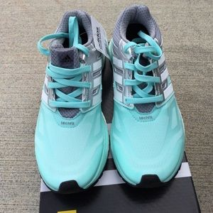 SALE NWT Women's mint Adidas techfit running shoes NWT