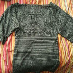 Grey/black top