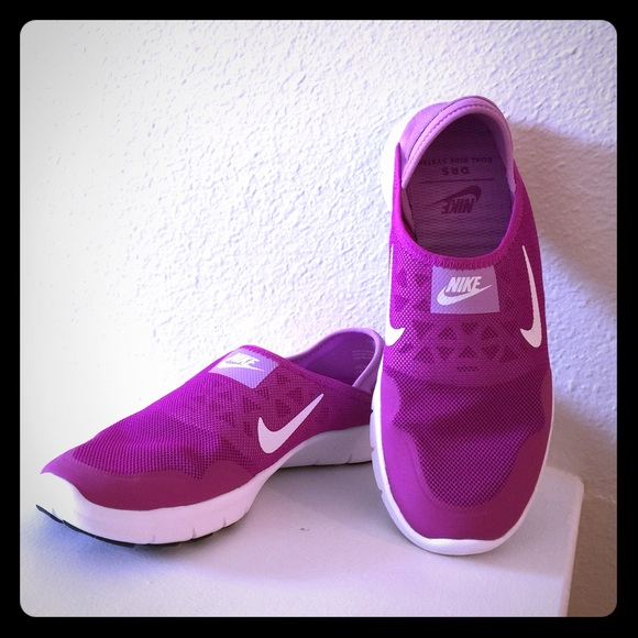 8c2176b9a43a BRAND NEW.Nike Women s Orive Lite Slip-On shoes