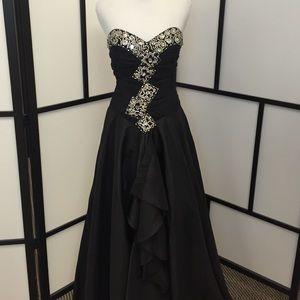 Anny Lee Dresses & Skirts - Make an offer! Black Prom dress