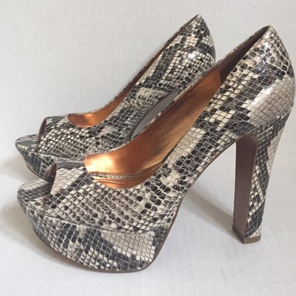 bcbg bcbg platform heels sz 8 38 from radikalrags s