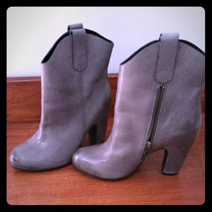Super cute kork ease booties