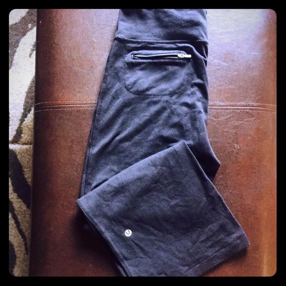 d44b0f03c3 lululemon athletica Pants - Capri leggings Lululemon atletica size M 6
